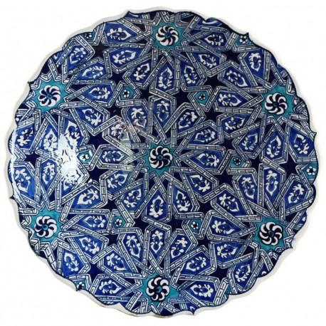 Plat oriental ottoman Melis Bleu 30cm à bords chantournés avec motifs géométriques (céramique de style Iznik)