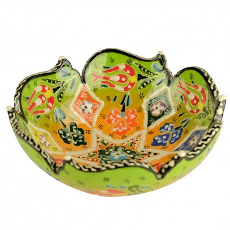 poterie turque, Bol coloré Nalan Vert citron 15cm à bords chantournés avec fleurs