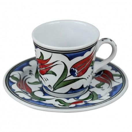 Tasse originale décorée de fleurs ottomanes Lalé, en céramique d'Iznik