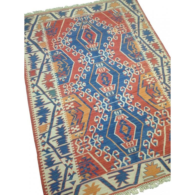 tapis oriental d cor bleu et rouge k8. Black Bedroom Furniture Sets. Home Design Ideas
