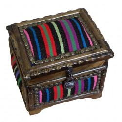 Jolie boite multicolore à bijoux en bois et kilim Krysios par KaravaneSerail