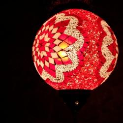 Lampe ethnique rouge Istia