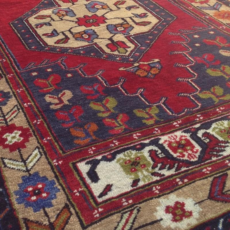 tapis ethnique rouge b02. Black Bedroom Furniture Sets. Home Design Ideas