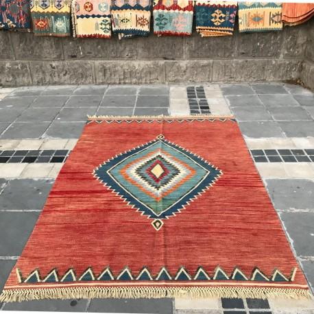 Tapis orientlal rouge en kilim artisanal K09