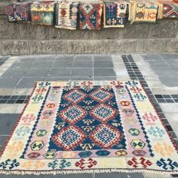 Tapis bohème ethnique en kilim turc K03