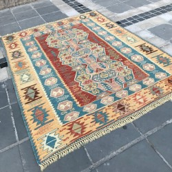 Tapis traditionnel en kilim K07