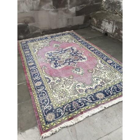 Tapis oriental vintage originaire de Turquie
