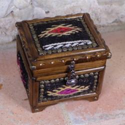 Boite à bijoux en bois et kilim, boite ethnique décorative par KaravaneSerail