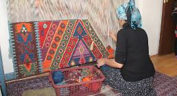 Artisanat marocain et turc, tissage tapis kilim