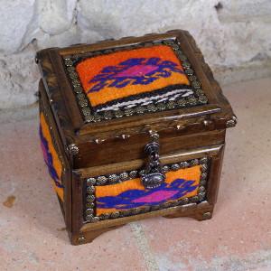 Boite à bijoux en bois et kilim Krysios par KaravaneSerail