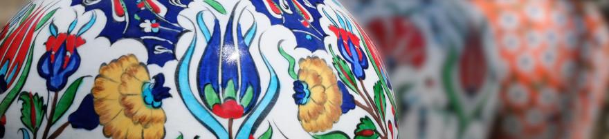 Vaisselle orientale en céramique