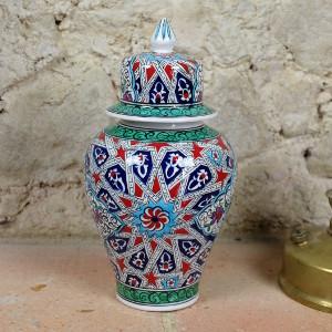 Pot en céramique ottomane pour le salon par KaravaneSerail