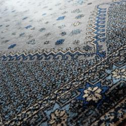Tapis marocain de Fès pour le salon par KaavaneSerail