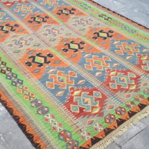 Tapis kilim par KaravaneSerail