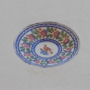 Assiette décorative en façade par KaravaneSerail