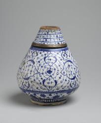Vase en céramique d'Iznik style Tugrakes spiralé